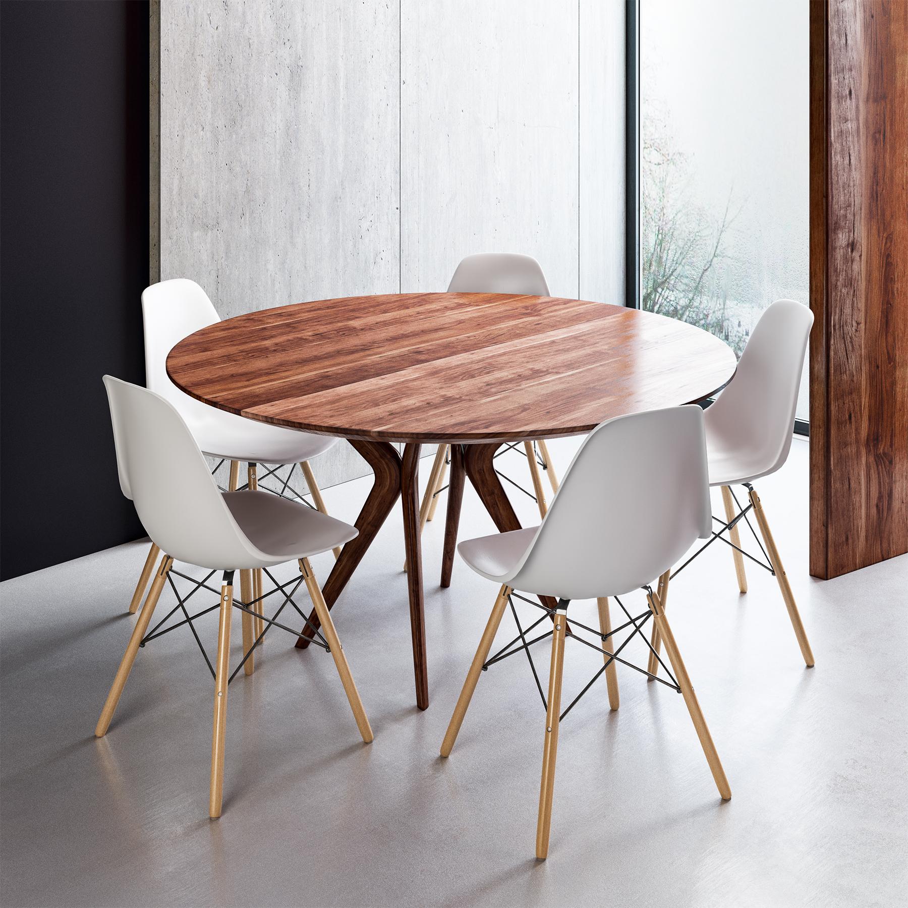 Eamas Chair